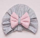 """Шапка чалма """"Бантик"""" однослойная, розово-серая, размеры 0-2 лет, фото 2"""