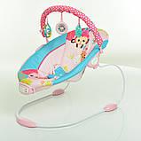 Детский напольный музыкальный шезлонг-баунсер Mastela сине-розовый цвет. кресло качалка для детей, фото 2