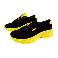 Женские замшевые кроссовки Kurag 174 черные с желтым, размер 39