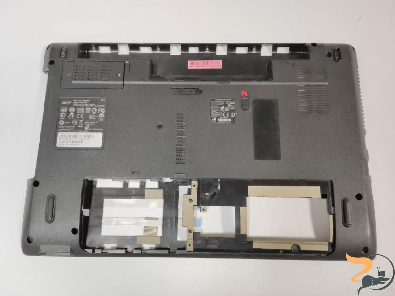 """Нижня частина корпуса для ноутбука Acer Aspire 5552G, 15.6"""", AP0FO000700, Б/В. Зламане одне кріплення (фото), продається з додатковими платами (фото),"""
