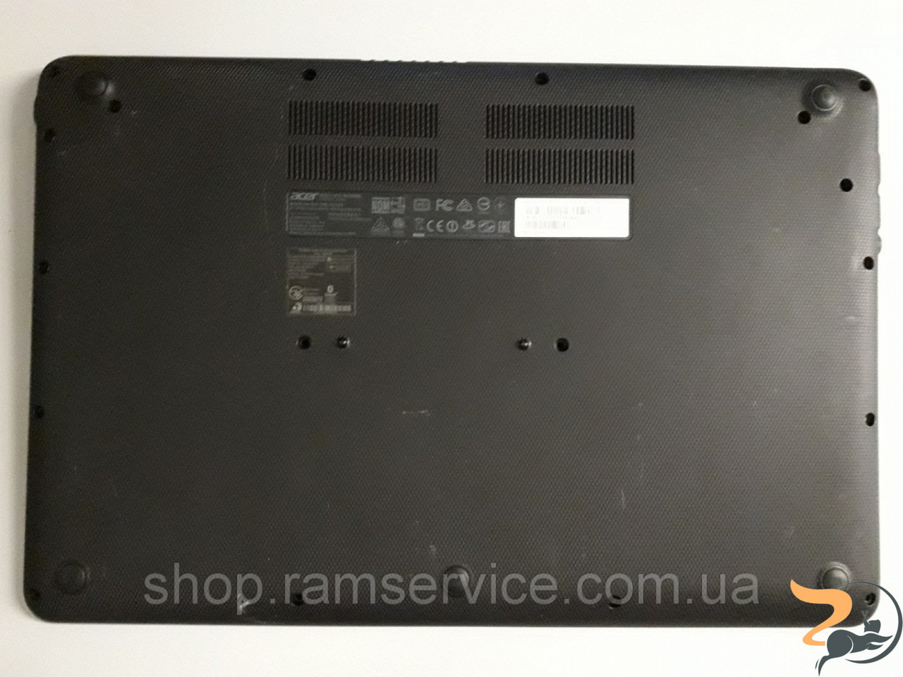 Нижня частина корпусу для ноутбука Acer CB3-531, б/в