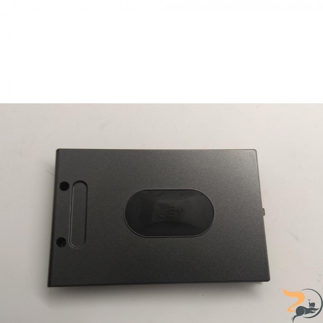 Сервісна кришка для ноутбука Asus M6000, Б/В. В хорошому стані, без пошкоджень. Є подряпини та потертості.