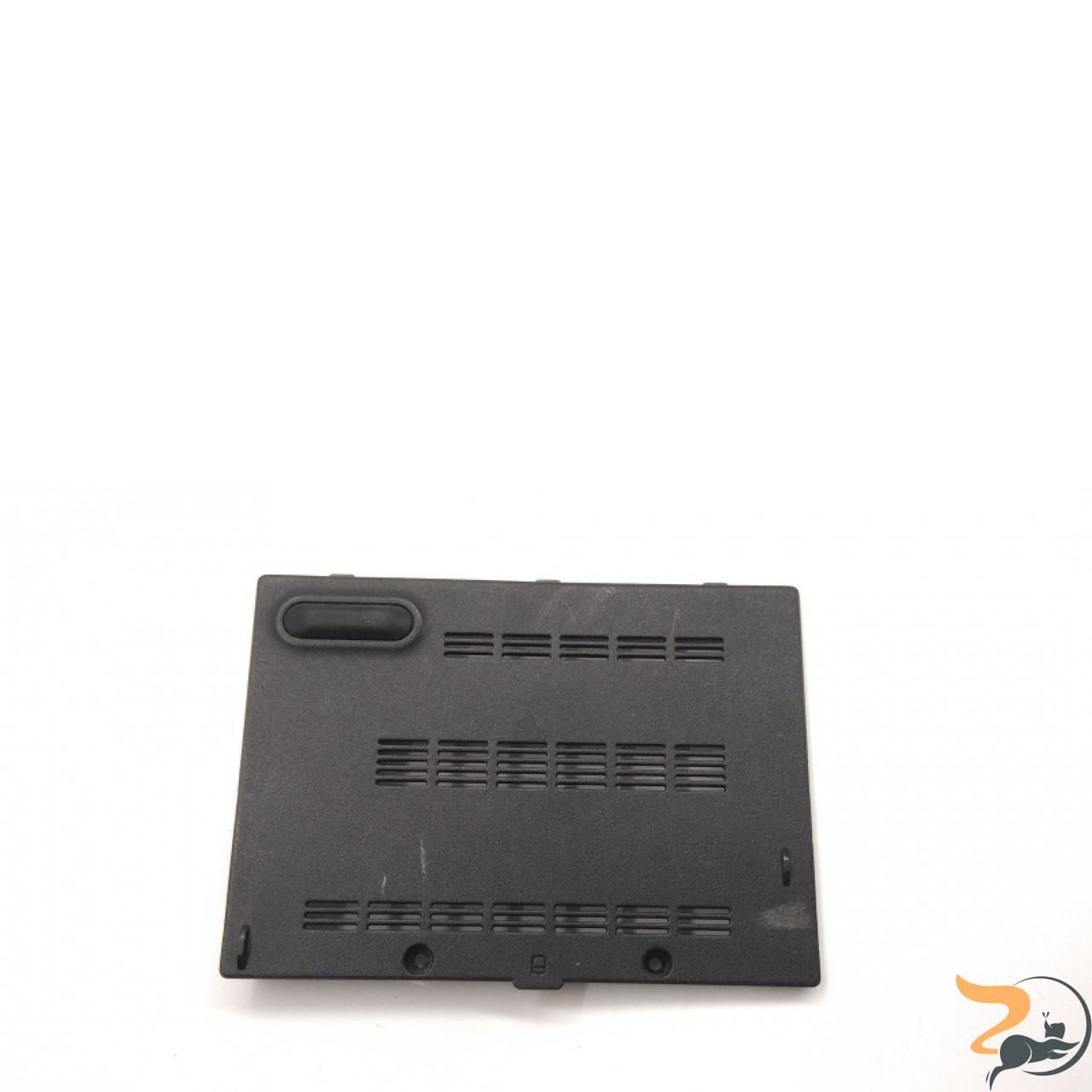 Сервісна кришка для ноутбука Asus PRO 61S, 13GNST10P04X-1, Б/В. В хорошому стані, без пошкоджень. Є подряпини та потертості.