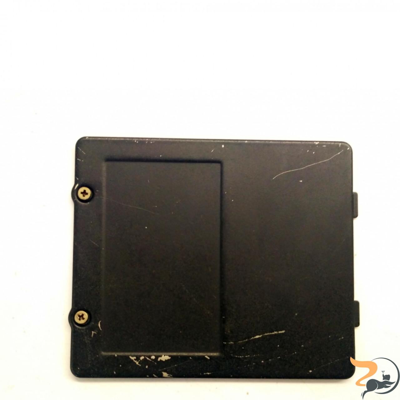 Сервісна кришка для ноутбука Compaq nx9005, Б/В. Без пошкоджень.Має подряпини.