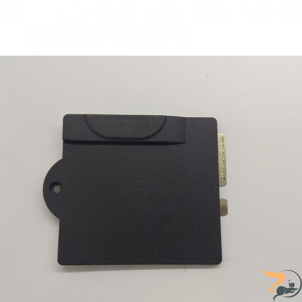 Сервісна кришка для ноутбука Dell Inspiron 8200, 5G028, Б/В. В хорошому стані ,без пошкоджень.
