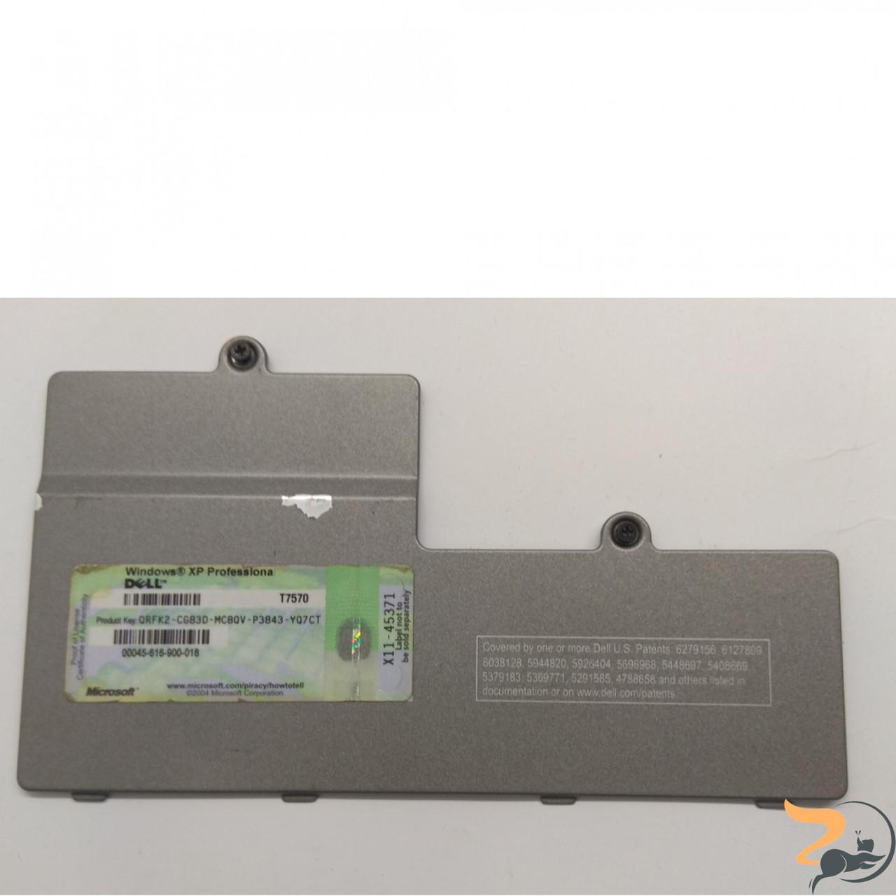 Сервісна кришка для ноутбука DELL LATITUDE D810, AMZKS00040L, Б/В. В хорошому стані,без пошкоджень. Є подряпини та потертості.