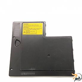 Сервісна кришка для ноутбука Targa Traveller 826, E23-1029040-Y28, Б/В. В хорошому стані,без пошкоджень. Є подряпини та потертості.