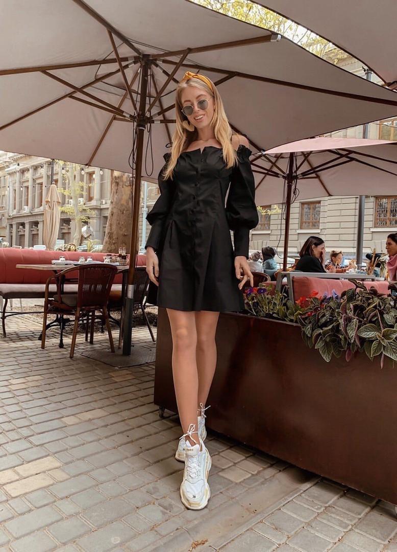 Короткое платье на пуговицах