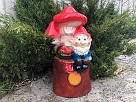 Садово-парковая фигура Гном под грибами h 50 см, фото 1