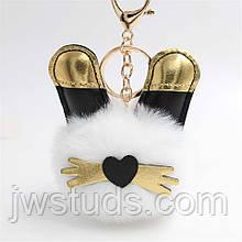 БРЕЛОК  ушки котика золотые на помпоне мех БЕЛЫЙ