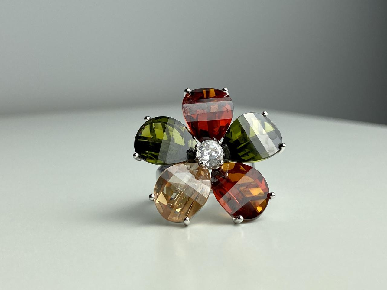 Серебряное кольцо с камнями Гошенит (берилл) и разноцветной Шпинелью