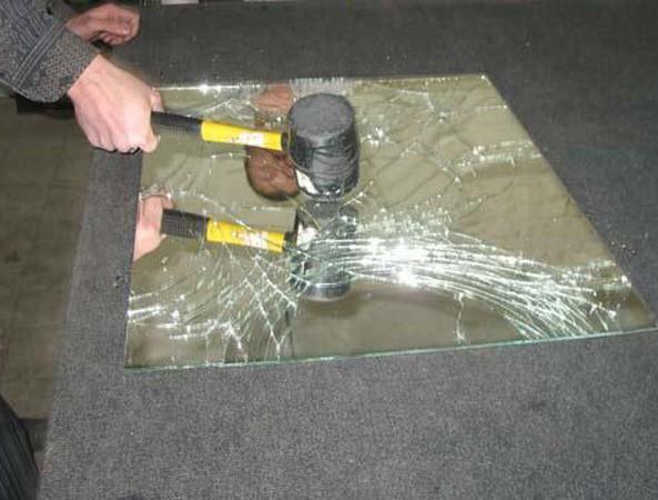 Антиударная противоосколочная защитная пленка для зеркал