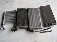 Радиатор печки (оригинал, б/у)  Фольксваген ЛТ 28, 35, 46 (Volkswagen LT) двигатель 2,5 ТDI, 2,5 SDI, 2,8 ТDI