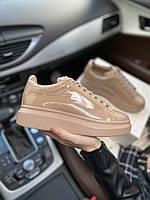 Стильные женские кроссовки Alexander McQueen (Александр Маквин) Patent Beige, фото 1