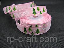 Стрічка атласна, новорічна. Ялинки на рожевому тлі, 16 мм
