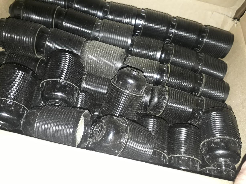 Патрон карболитовый для люстры E27 черный