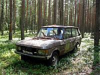 В лесу нашли джип трехдверный Range Rover на советских номерах (ФОТО)