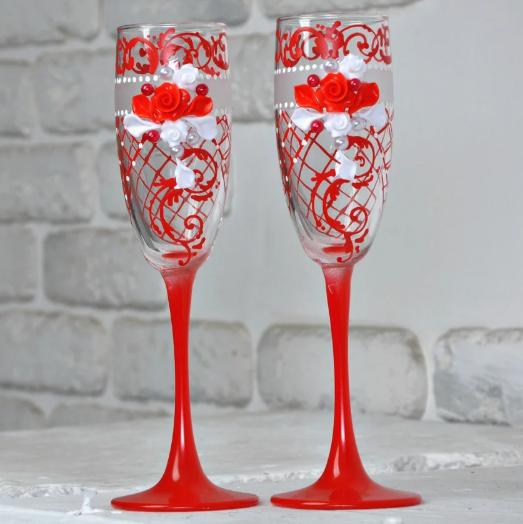 Хит! Свадебные бокалы новобрачным 200 мл украшены лепкой №1562