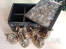 Подарунковий набір литих чарок в дизайнерській коробці