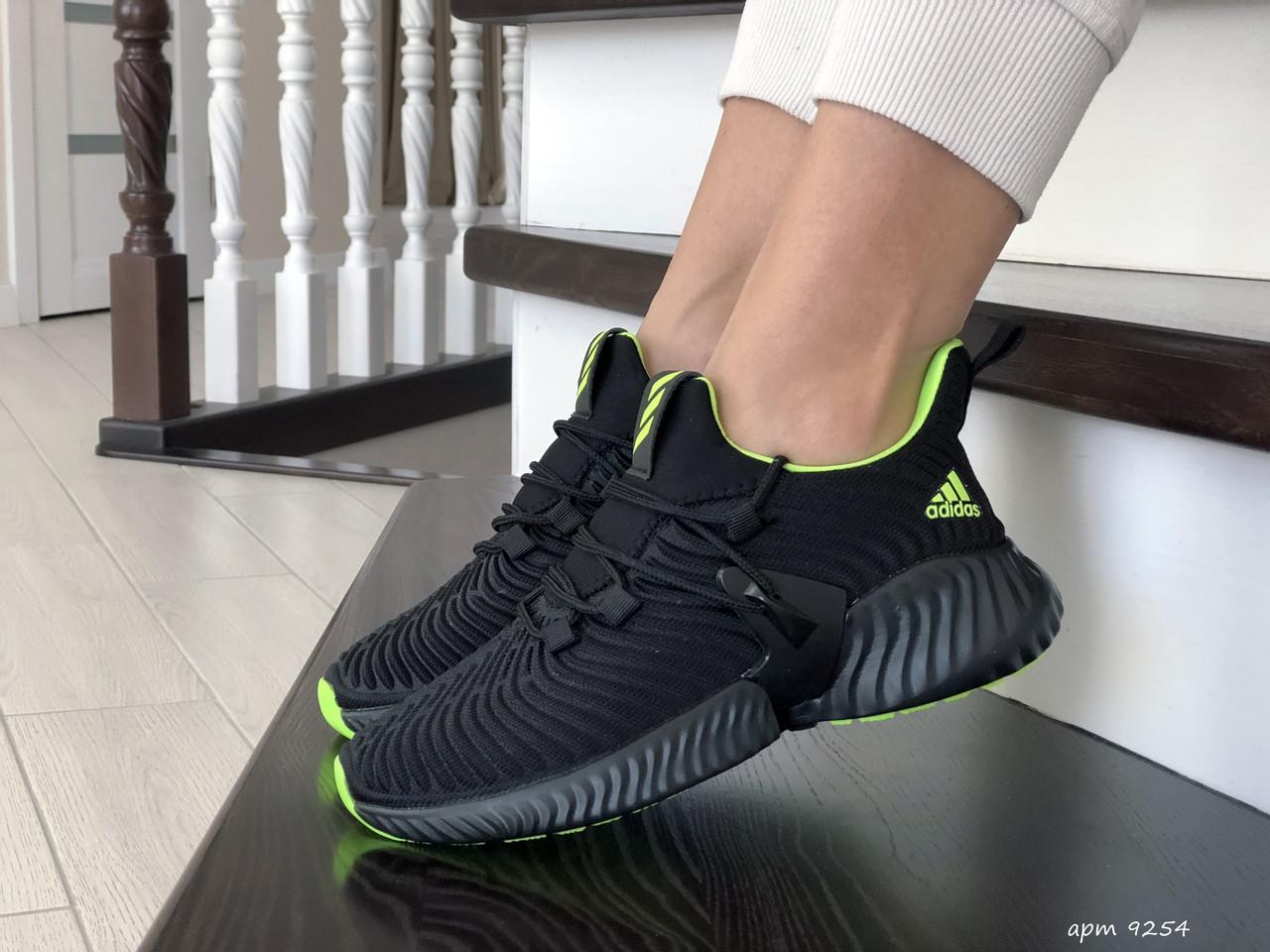 Модные женские кроссовки Adidas,текстиль,черные с салатовым