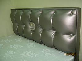 фото кроватей разных моделей,форм,размеров и оббивки