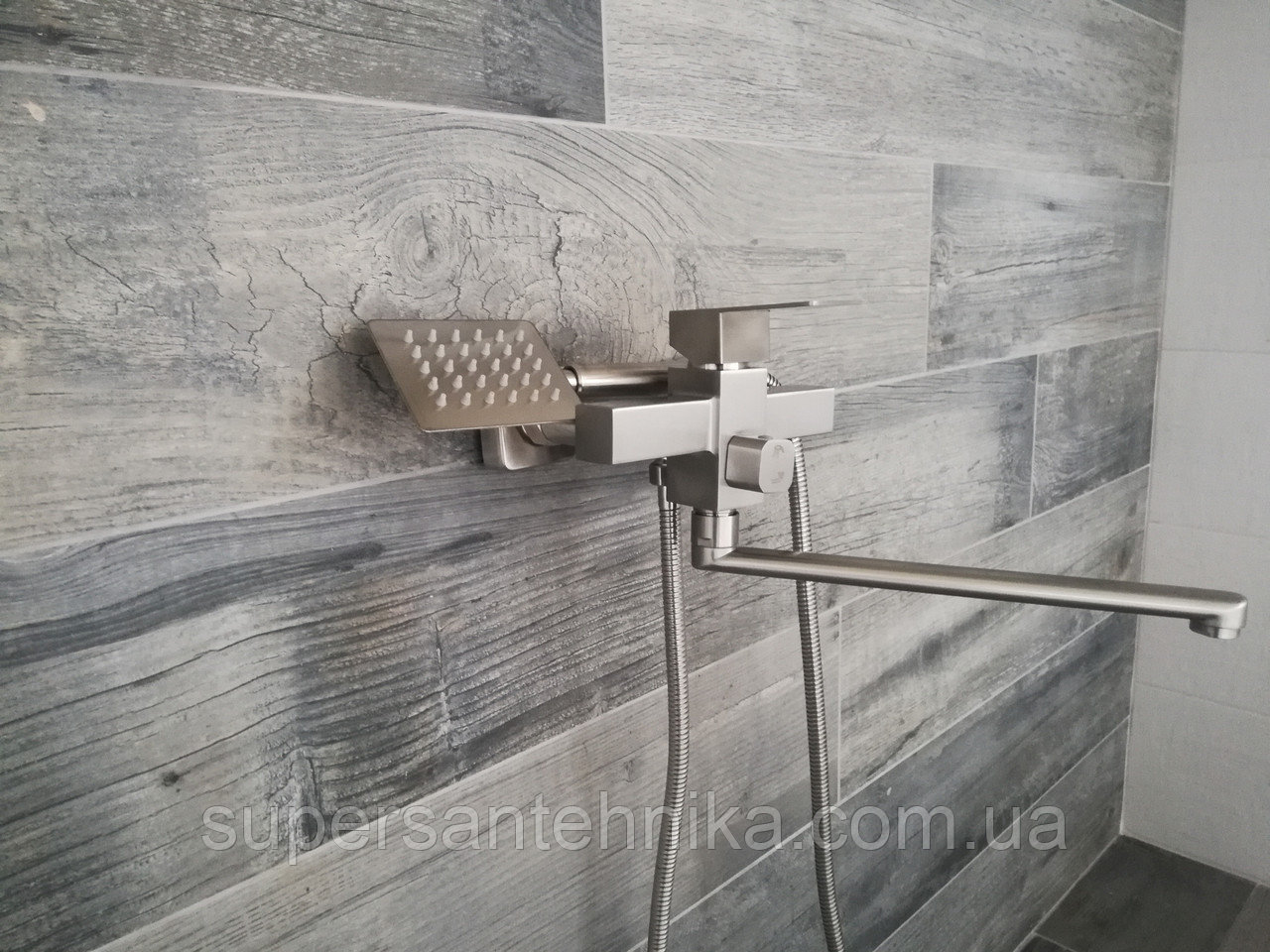Смеситель для ванной из нержавейки квадрат Mixxus Kub 006 euro
