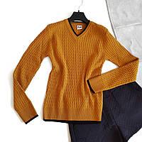 Женский свитер ярко-желтый с узором вязки
