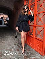 Женское стильное платье с поясом и пуговицами на груди и воланами по низу