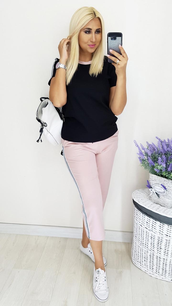 Женский костюм с капри и футболкой 50 52 54