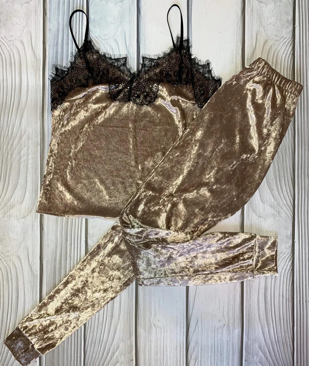 Стильна велюрова жіноча піжама майка і штани з манжетами Золото