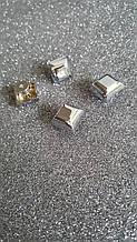 Ніжка на гвинті квадрат 1,3*1,3 см нікель