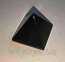 Пірамідка з натурального моріона
