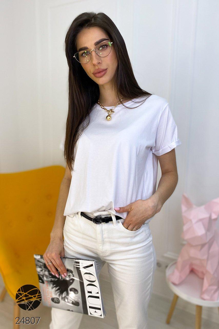 Женская футболка oversize белого цвета. Модель 24807