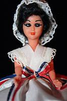 Кукла в национальном костюме 940030 в платье с пышной полосатой юбкой 11 см