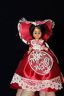 Кукла в национальном костюме 940037 в красном платье Waubi 10 см