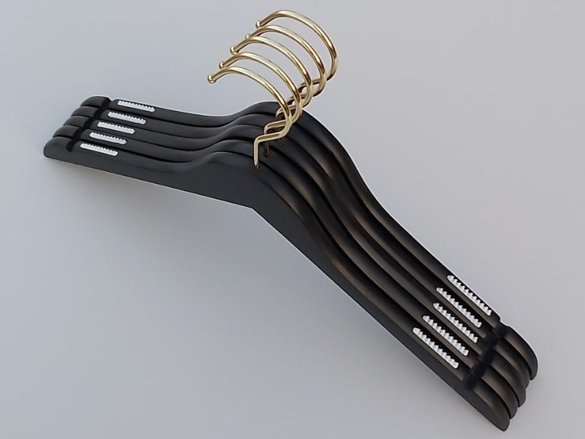 Плечики длиной 44 см. Золотой крючок. Деревянные черного цвета, в упаковке 5 штук
