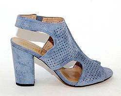 Женские голубые замшевые босоножки на каблуке