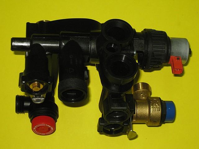Корпус трехходового клапана в сборе S10255 Saunier Duval Isofast, фото 2
