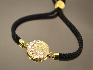 Браслет Цветы в круге на черном шнурке, цвет золото