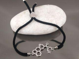 Браслет молекула LSD на черном шнурке, цвет серебро