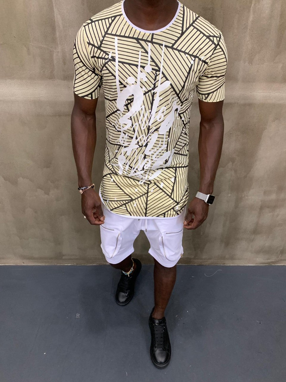 Крутая мужская летняя футболка желтая с черными линиями - M, L