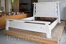 Кровать двуспальная из массива дерева