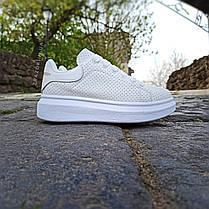 Кроссовки ALEXANDER MCQUEEN |копия| белые размеры 36-41 на толстой подошве высокие эко кожаные перфорация, фото 2