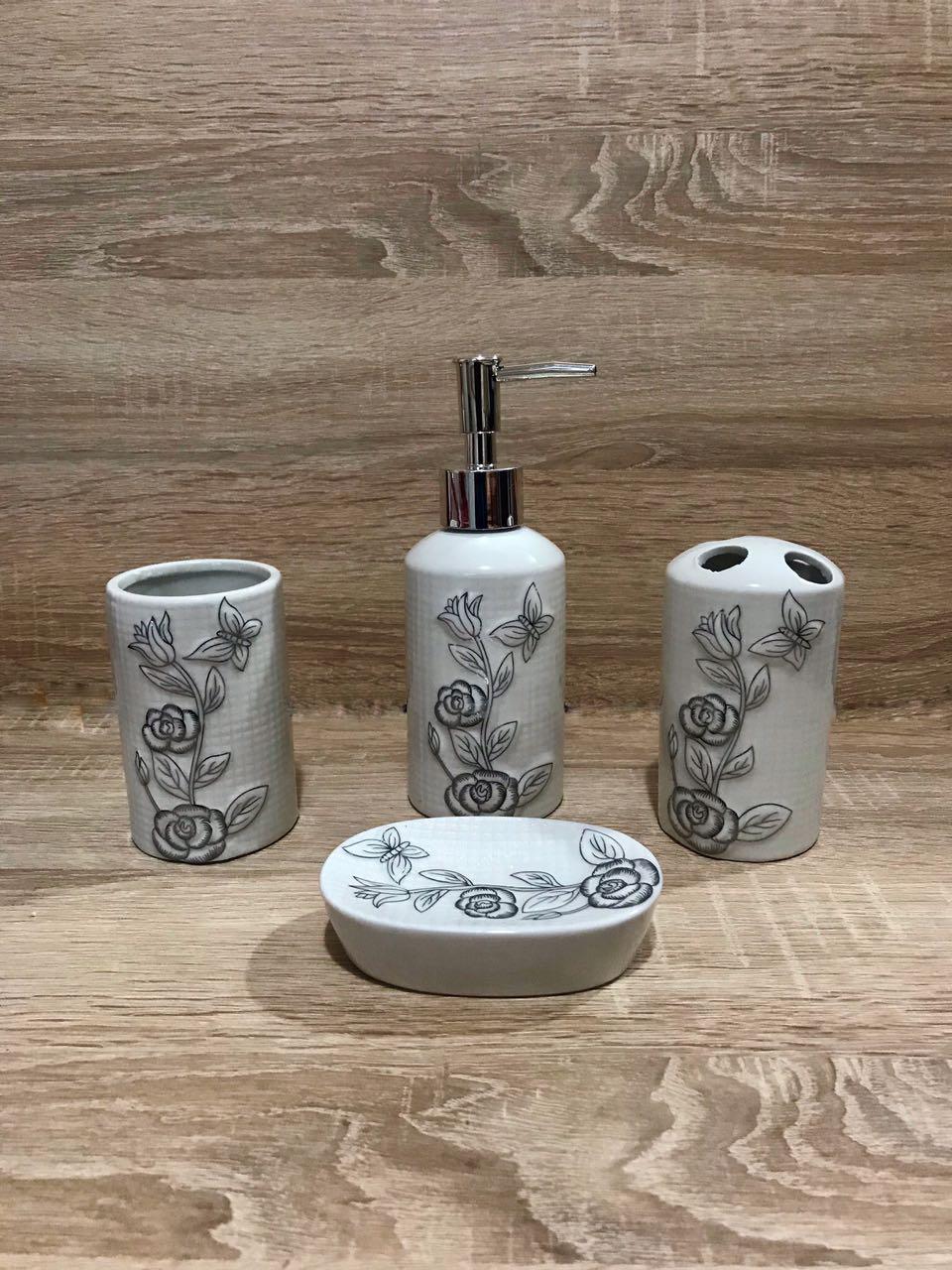 Керамический набор для ванной комнаты S&T, белый с цветочным орнаментом