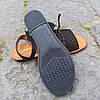 Сандалі Шльопанці босоніжки на застібці на плоскій підошві літні руді коричневі, чорні з візерунком, фото 4