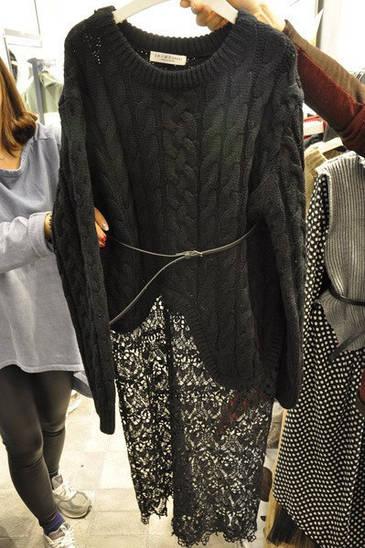 Теплый свитер с кружевом