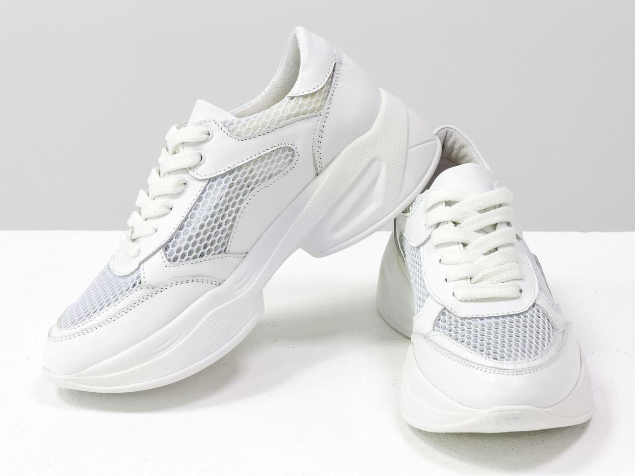 Белые базовые летние кроссовки из натуральной итальянской кожи, с дышащими выставками крупного сечения
