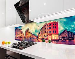Кухонный фартук Городская Ратуша (виниловая самоклеющаяся пленка для кухни, скинали) панорама, бежевый, 600*3000 мм