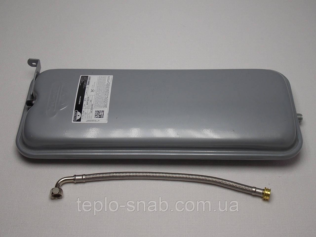 Розширювальний бак прямокутний Ariston Uno турб. версія. 65101719, 995940