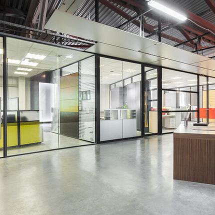 Офисные перегородки из стекла и алюминия, фото 2